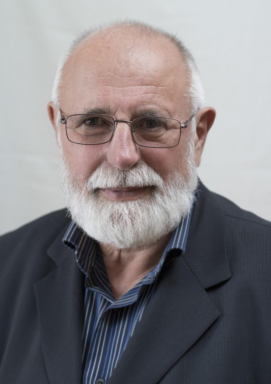 Dr. Kiss István