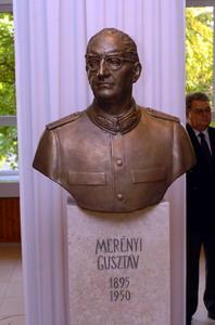 Benedek György dr. Merényi (Scholtz) Gusztáv mellszobra