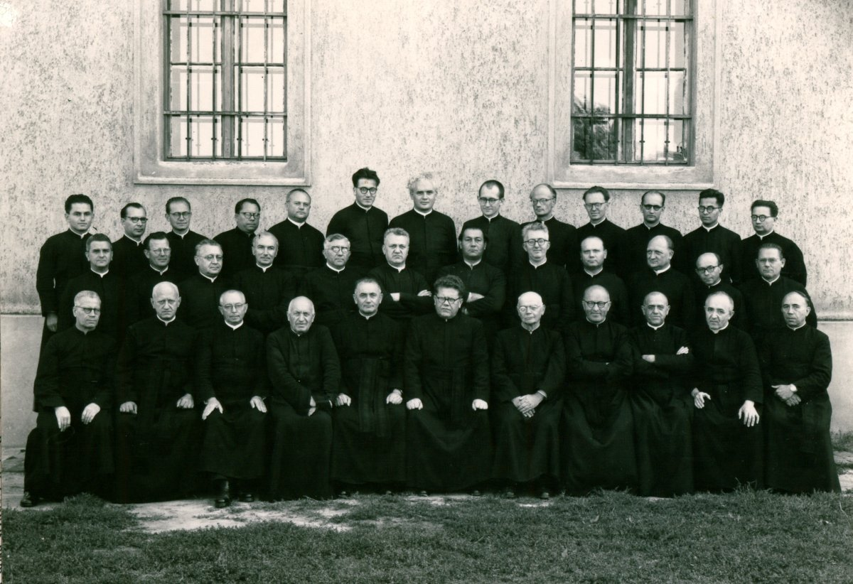 A kecskeméti piarista rendház tagjai, 1957. augusztus. 27.