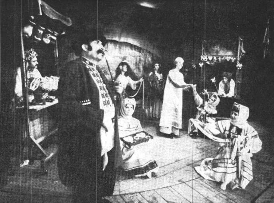 Muszorgszkij Egy éj a kopár hegyen című operájának egyik jelenete Kertész László rendezésében (1978)